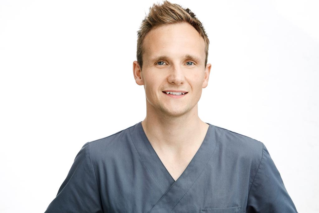 Dr Hilmar Teschner